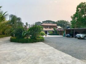 India holiday rentals in Panvel, Panvel